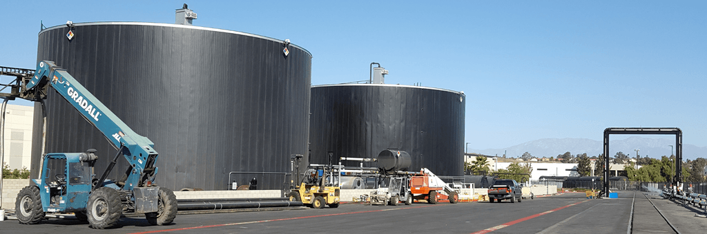 Asphalt oil storage tank
